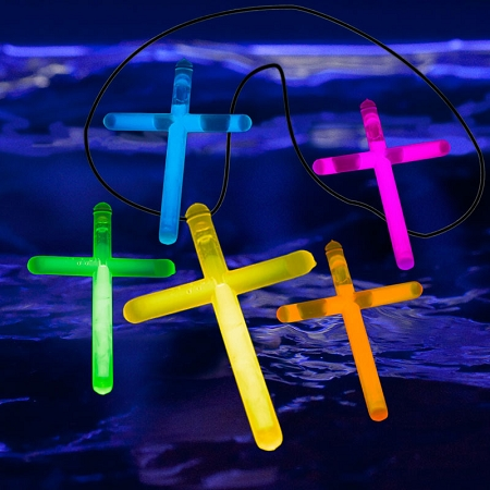 glow_cross_necklace_1