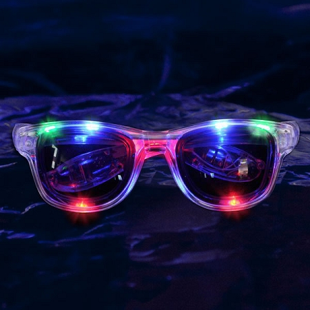 light-up-retro-wayfarer-sunglasses1